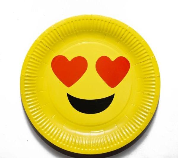 Heart Emoji Paper Plate_Picture 1