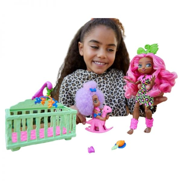 Cave Club Wild About Babysitting Playset and Fernessa and Furrah Dolls_Picture 2